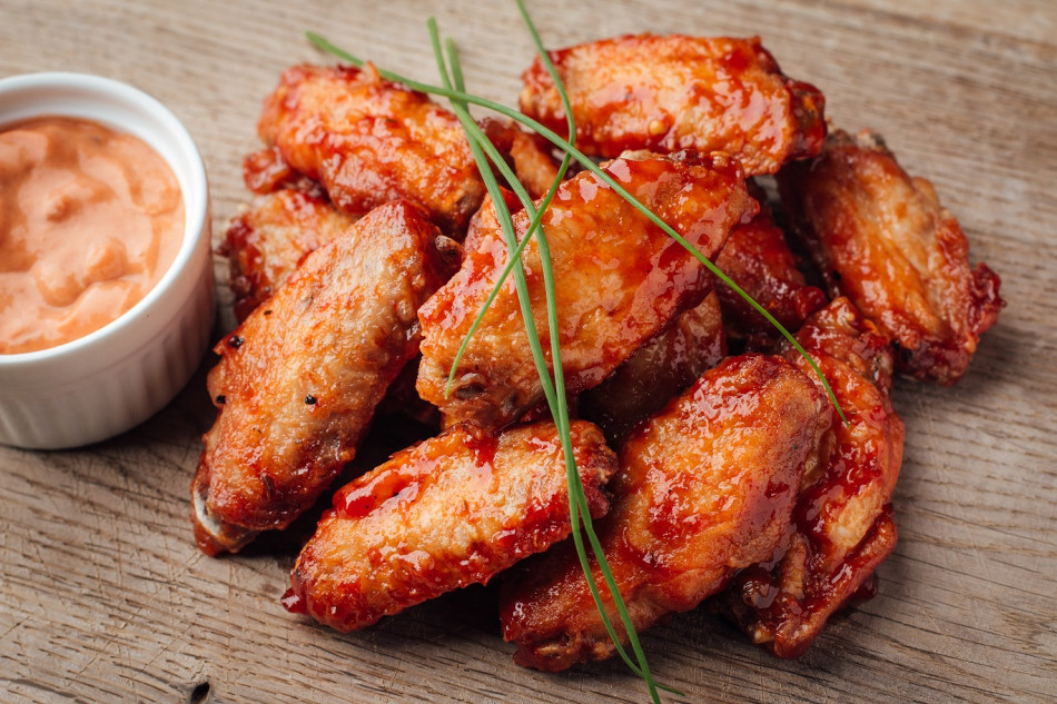 Honey-ginger chicken wings (+sauce)